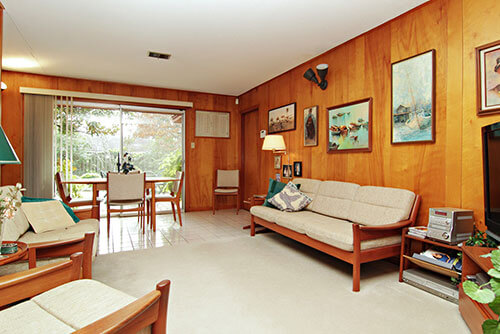 wood-paneled-walls-walnut-retro