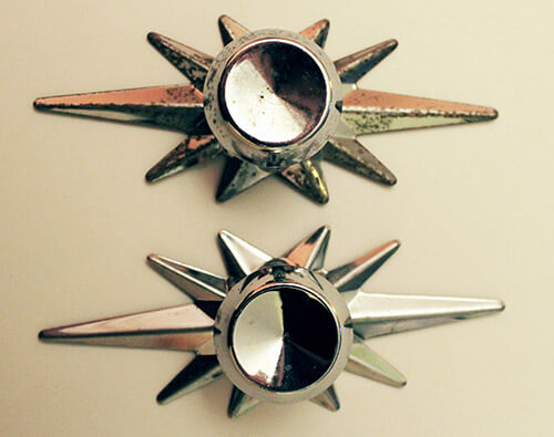 Chrome-starburst-Amerock-knobs-before-and-after-cleaning