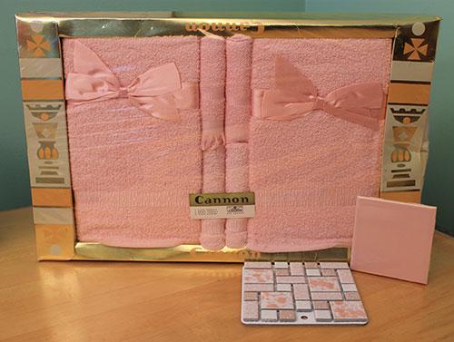 NOS-vintage-Cannon-bath-towels-pink