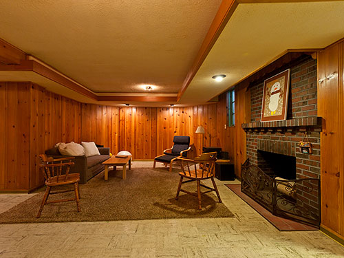 knotty-pine-paneling-in-rec-room-basement