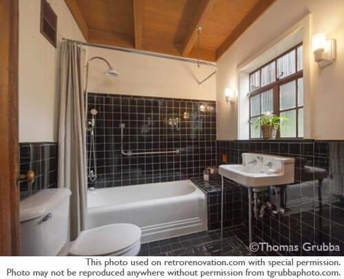 vintage-black-and-white-tile-bathroom