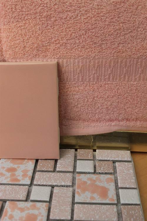 vintage-pink-bath-towels-cannon