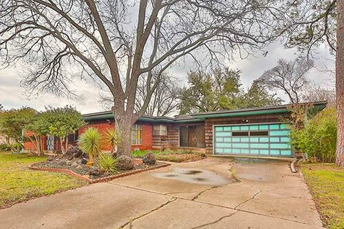 mid-century-1960s-ranch-house-exterior