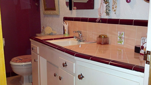 Marsha saves her peach tile bathroom with help from BW Tile Retro
