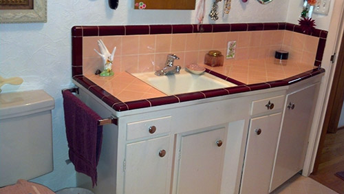 Marsha Saves Her Peach Tile Bathroom With Help From B Amp W
