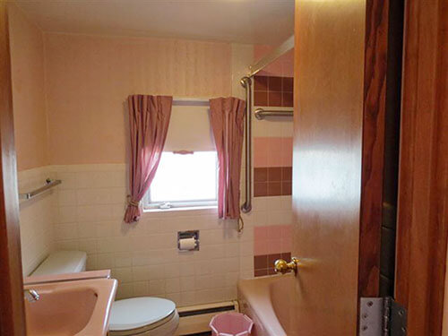 vintage-bathroom-pink-white-brown