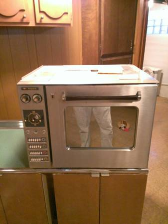 1960 Countertop Height Hotpoint Oven With Hideaway Fold