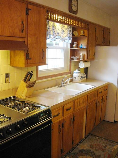 Mid-century-wood-kitchen-with-tile-backsplash