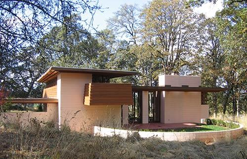Gordon-House-back-yard