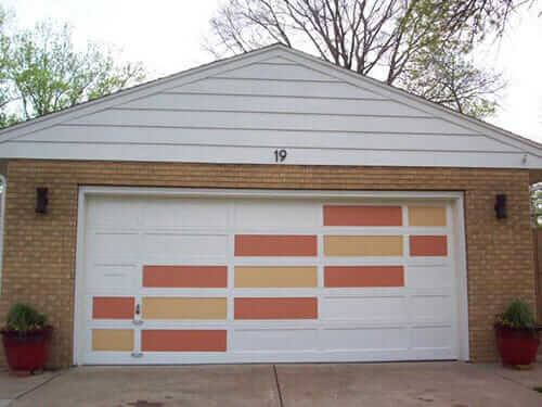 Create a modern garage door with this easy DIY idea ... on Garage Door Painting Ideas  id=93623