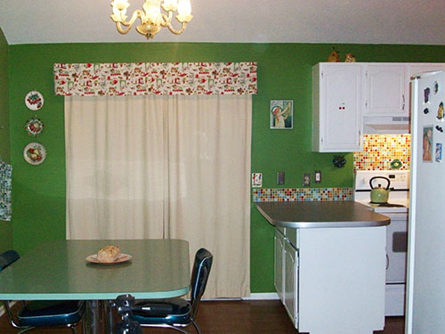 modern-retro-green-kitchen