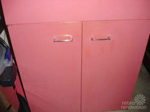 St. Charles kitchen cabinet