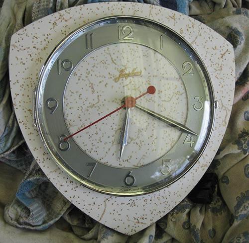 laminex-formica-clock