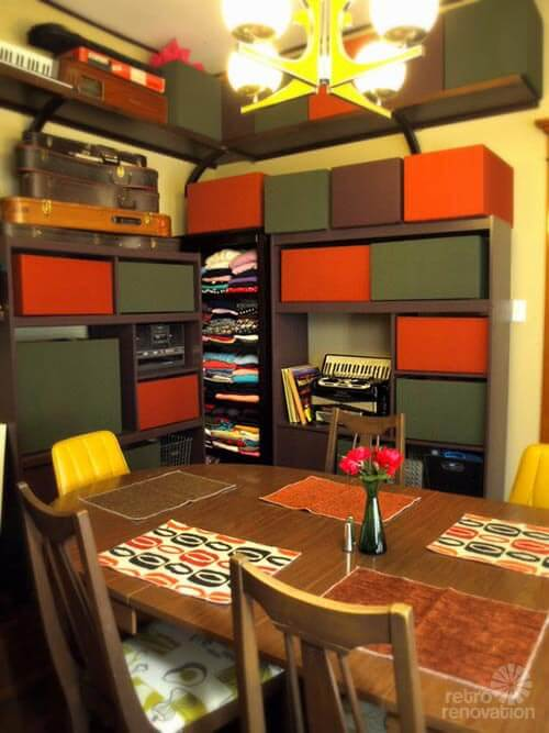 retro-60s-dining-room