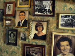 vintage-photo-collage-wall