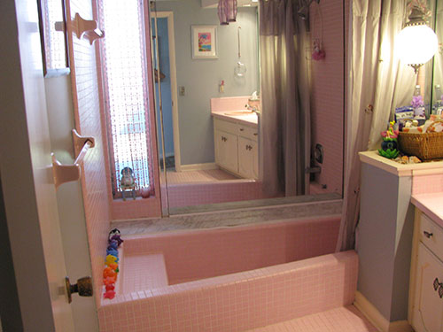 Nice Vintage Pink Bathroom ...