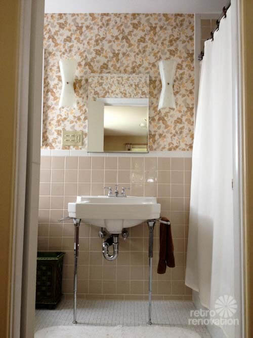New vintage wallpaper and lighting for pam 39 s bathroom for Bathroom ideas yellow tile