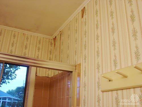 Reader design dilemma freshening up a beige and maroon for Vintage bathroom wallpaper