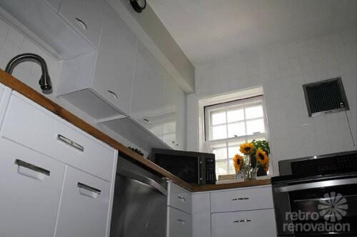 vintage-modern-kitchen-white