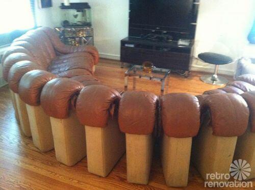retro-circular-sofa