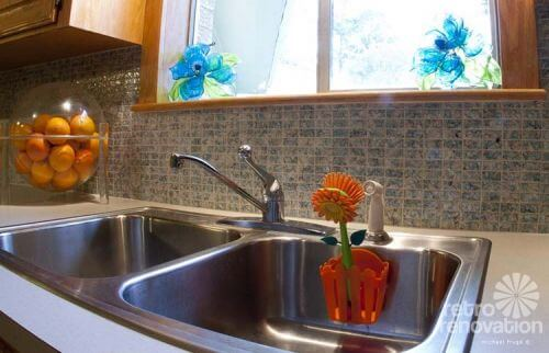 vintage-tile-backsplash