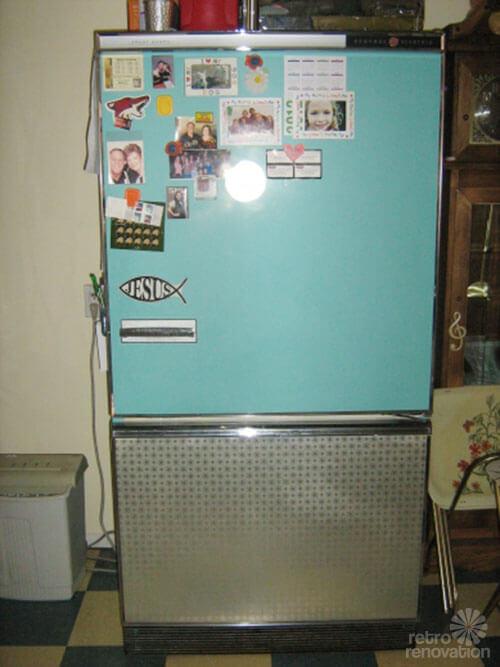 vintage-turquoise-refrigerator