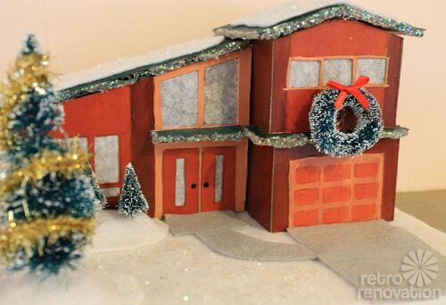 retro-christmas-house-split-level