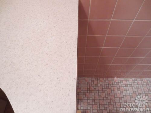 Pionite-laminate-counter-pink-bathroom