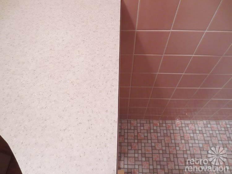 Pionite-laminate-counter-pink-bathroom