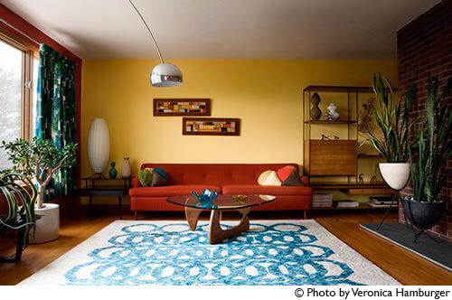 mid-century-living-room-red-sofa