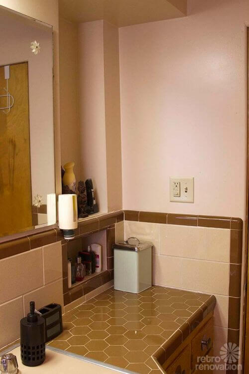 retro-tiled-countertop