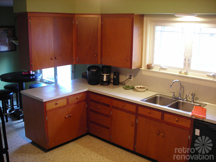 Decorating Ideas To Add Light To A Dark Kitchen Renee 39 S Retro Design Dilemma Retro Renovation