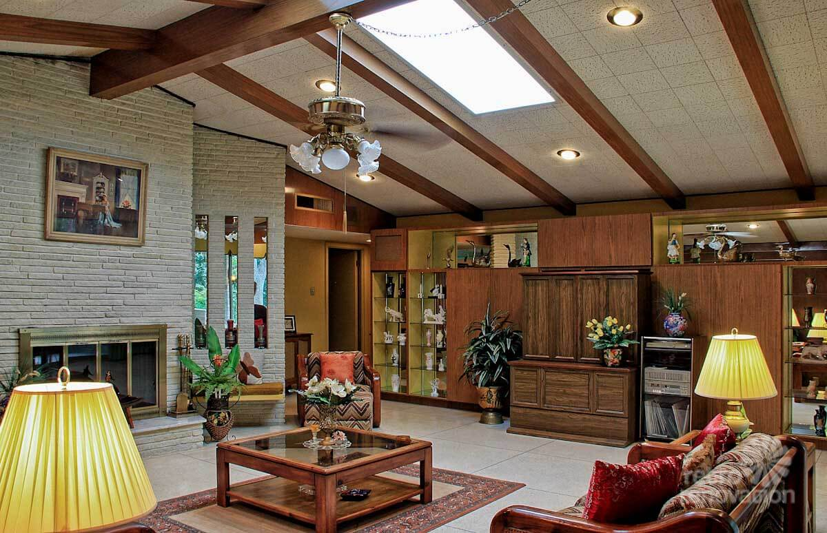 Impeccable 1972 time capsule house in san antonio 33 for Interior design 70s style
