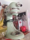 Jessica decorates her rental kitchen, adding retro charm to the classic linen and white paint palette