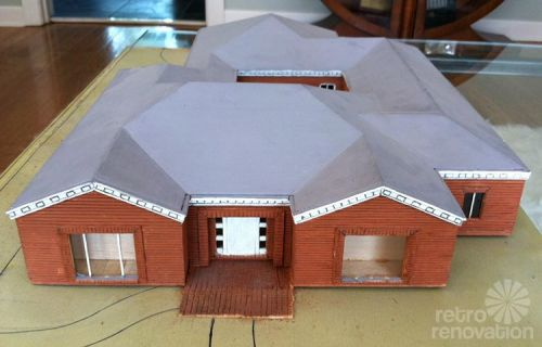 model-of-mid-century-house