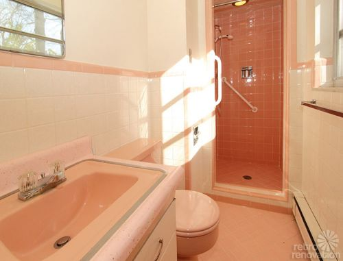 pink-vintage-bathroom