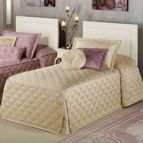 quilted-fitted-bedspread
