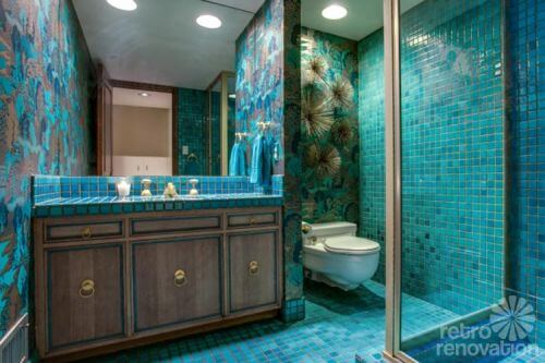 retro-aqua-bathroom