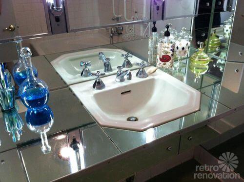 Cool retro mirrored countertop