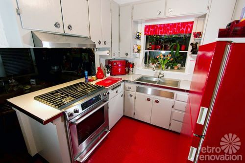 retro-red-and-grey-kitchen
