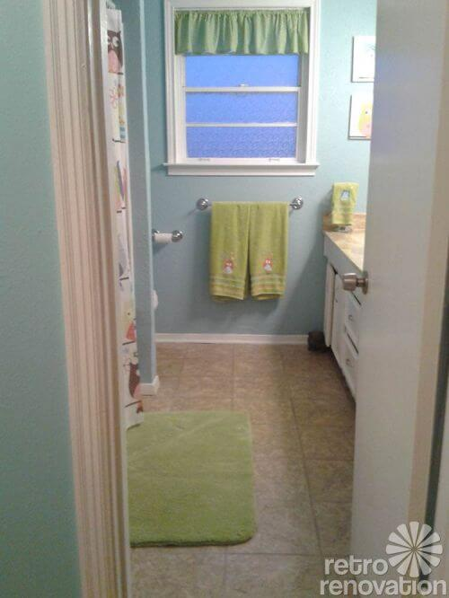 blue-and-green-bathroom