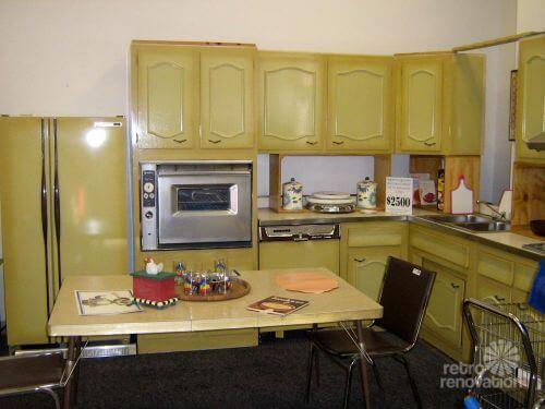 harvest-gold-kitchen--11