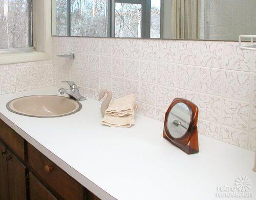 mid-century-bathroom-ceramic-tile