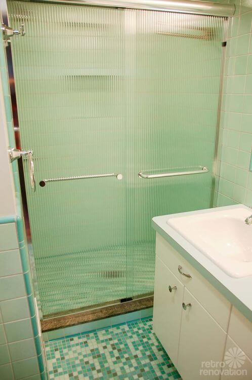 retro-modern-shower-doors