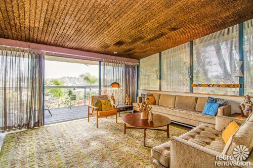 mid-century-living-room-ceiling