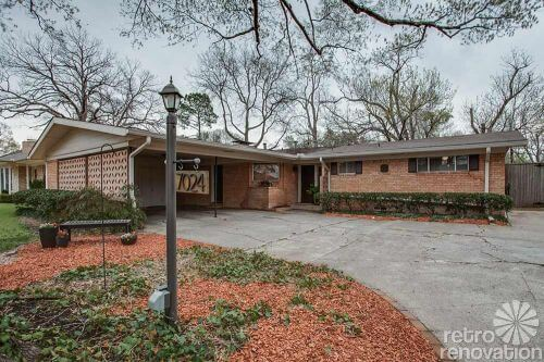 1960s-brick-ranch-house