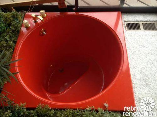 Kohler-70s-soaker-tub-red
