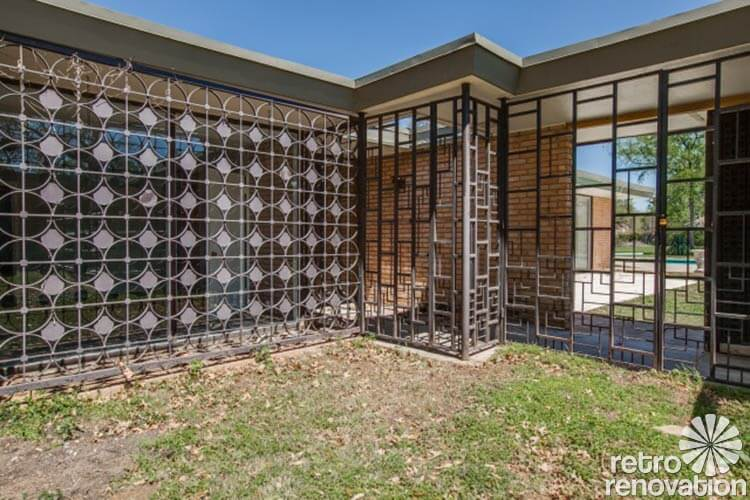 Stunning 1955 midcentury modern house in fort worth House beautiful com kitchens