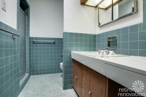 midcentury-blue-bathroom