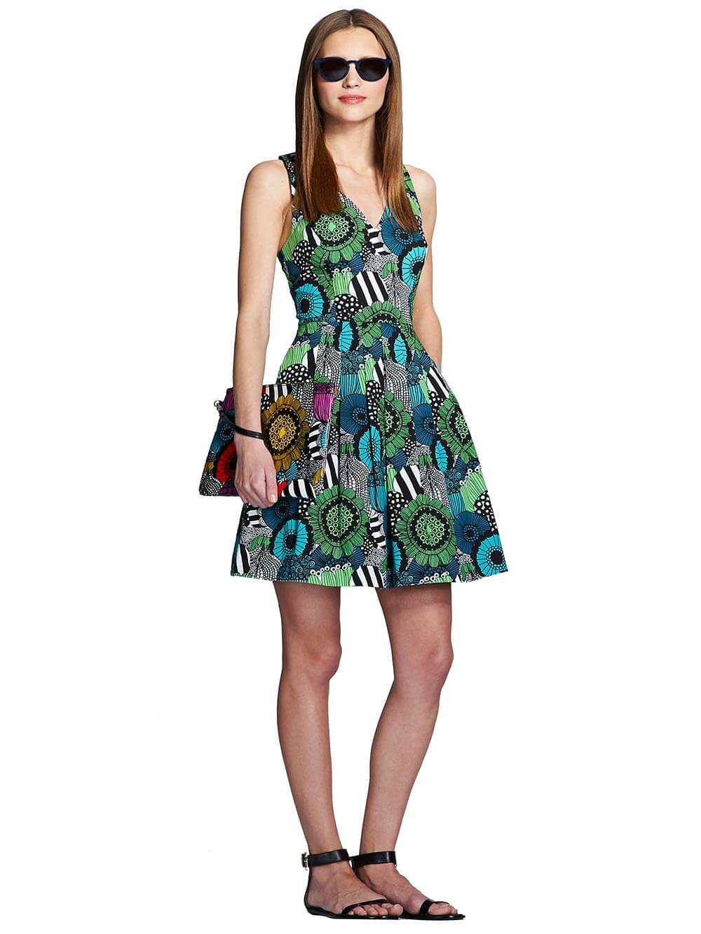 Marimekko Guassi Multicolor Dress A standout among typical Marimekko dresses, the Guassi Dress offers a new silhouette with a graphic yet painterly pattern to mix things up. A departure from the usual sleeveless, A-line silhouettes, the Guassi dress embodies a more modern silhouette.